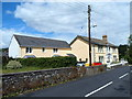 SO1520 : Wires above Oaklands, Llangynidr by Jaggery