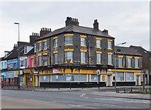 TA0828 : Anlaby Road, Kingston upon Hull by Bernard Sharp