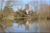 SO8832 : Tewkesbury Abbey  and floodwater by Philip Halling