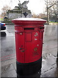 TQ2879 : London: postbox № SW1 30, Grosvenor Place by Chris Downer