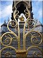 TQ2679 : London: golden ironwork of the Albert Memorial by Chris Downer