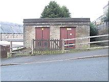 SE0726 : Electricity Substation No 329 - Dyer Lane by Betty Longbottom
