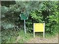 NN9162 : Signpost, Killiecrankie by Richard Webb