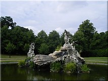 SU9185 : Fountain at Cliveden by DS Pugh