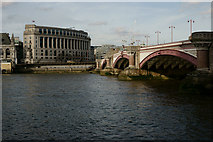 TQ3180 : Blackfriars Bridge by Peter Trimming