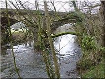 SK3057 : Railway bridge over the River Derwent by Russel Wills