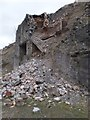 SO0209 : Dilapidated limekiln by Alan Bowring
