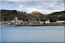 NM8530 : Cathedral and Church, Oban Bay by David Dixon