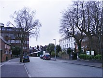 SO9098 : Summerfield Road by Gordon Griffiths