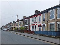 TA0830 : Park Grove, Kingston upon Hull by Bernard Sharp