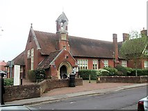 SU3521 : Romsey Library in Station Road by John Firth