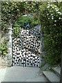 SH8072 : Grape gate restored by Richard Hoare