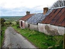 J0425 : Disused cottage on Gordons Lane by Eric Jones