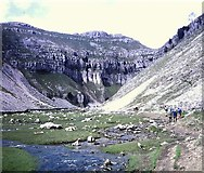 SD9163 : Gordale Beck & approach to Gordale Scar by Clint Mann