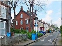 TA0830 : Chesnut Avenue, Kingston upon Hull by Bernard Sharp