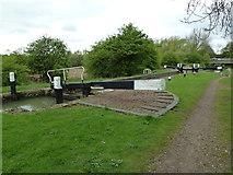 SP7256 : Lock 11, Grand Junction Canal - Northampton Arm by Mr Biz