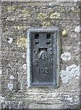 ST6390 : St Mary's flush bracket by Neil Owen