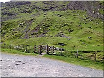 NY4008 : Heading up Red Screes.... by John H Darch