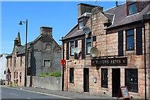 NS5036 : Masons Arms, Henrietta Street, Galston by Leslie Barrie