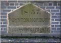 SJ9385 : Boundary stone, Norbury Hollow by Alan Murray-Rust