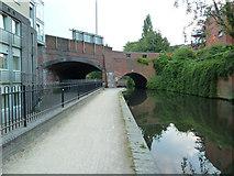 SP0686 : Worcester & Birmingham Canal - Bridge No. 87 by Chris Allen
