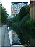 SP0686 : Worcester & Birmingham Canal - approaching the city centre by Chris Allen
