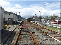 SH5639 : Porthmadog mainline station (westwards) by Richard Hoare