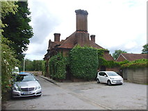 TR1859 : Fordwich Arms, Fordwich by Chris Whippet