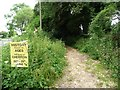 SU5520 : Entrance to bridleway, north-east of Street End by Christine Johnstone