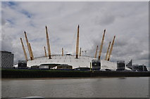 TQ3980 : London : Royal Borough of Greenwich - River Thames & O₂ Arena by Lewis Clarke