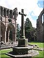 NT5931 : Memorial Cross at Dryburgh by M J Richardson