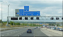 TQ5885 : The M25 northbound towards junction 29 by Ian S