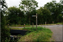 SE6548 : Finger post at Langwith Stray by Ian S