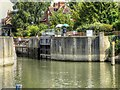SU9974 : River Thames, Old Windsor Lock by David Dixon
