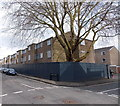 SP5007 : Fenced-off boarded-up housing in Oxford by Jaggery