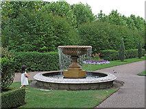 TQ2882 : Fountain, Regent's Park Avenue Gardens by Free Man