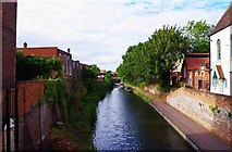 SO8171 : Staff & Worcs Canal seen from Lower Mitton Bridge, Stourport-on-Severn by P L Chadwick