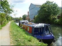 TQ1579 : Grand Union Canal near Hanwell by Marathon