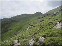 NN2506 : Rough ground approaching the North Peak by David Medcalf