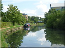 TQ1579 : Grand Union Canal at Hanwell by Marathon