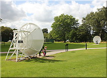SJ7971 : The Whispering Dishes at Jodrell Bank by Jeff Buck