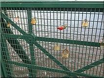 NS3421 : Locks, Turner's Bridge by Richard Webb