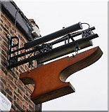 SE5023 : The Anvil Public House, Knottingley by Ian S
