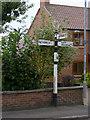 SK7476 : Fingerpost, Main Street/Askham Lane, Upton by Alan Murray-Rust