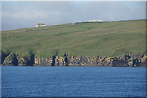 ND1071 : Cliffs between Holborn Head and Scrabster Harbour by Mike Pennington