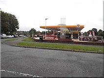 TQ0487 : Shell petrol station on Tilehouse Way, Denham by David Howard