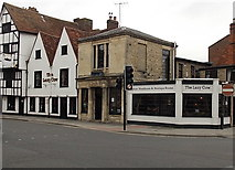 SU1429 : The Lazy Cow, Salisbury by Jaggery