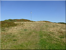 SH4094 : Approaching the surviving navigation mast by David Medcalf