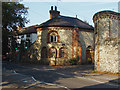 TQ0952 : Bishops gate, East Horsley by Alan Hunt