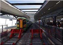 TQ3280 : London Bridge Station by Ian Taylor